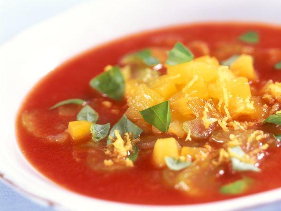 Kalte Tomatensuppe mit Aprikosen