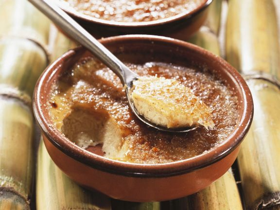 Karamellisierte Kokoscreme (Creme brulee)