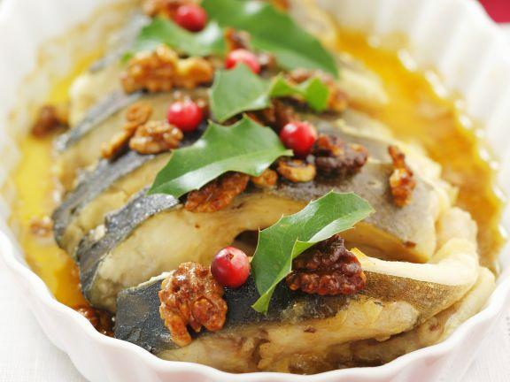 Karpfen mit Nuss-Honig-Soße