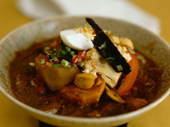 Kartoffel-Gemüse-Curry mit Ei