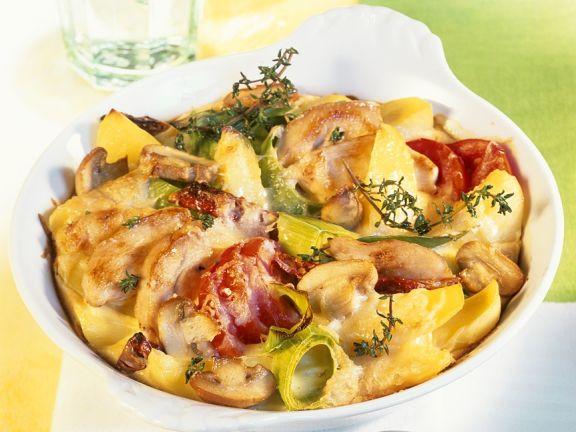 Kartoffel-Gemüsegratin mit Bratenfleisch