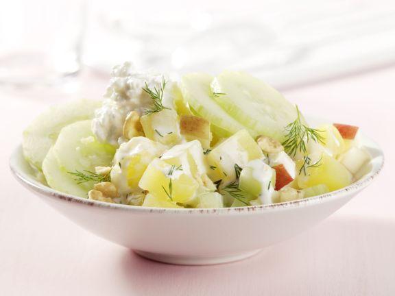Kartoffel-Gurken-Salat mit Hüttenkäse