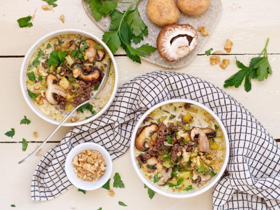 Kartoffel-Hack-Suppe mit Pilzen