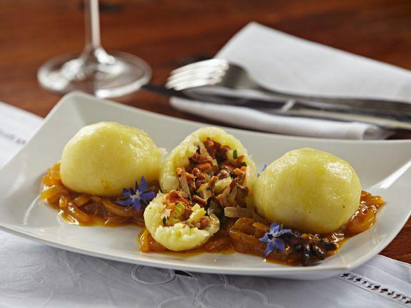Kartoffel-Pfifferlingsklöße mit Schalottensauce