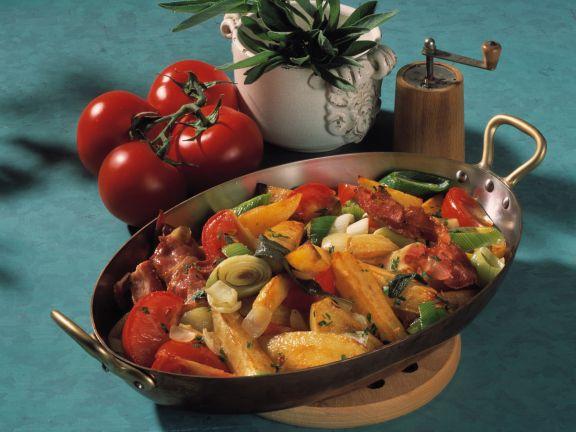 Kartoffel-Porree-Pfanne mit Tomaten