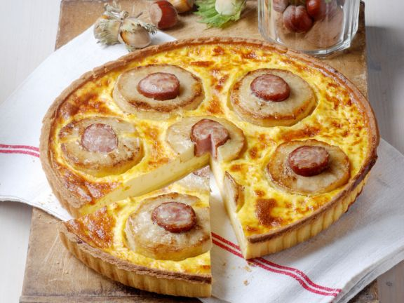 Kartoffel-Würstchen-Quiche