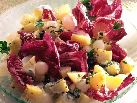 Kartoffel-Zwiebelsalat mit Radicchio