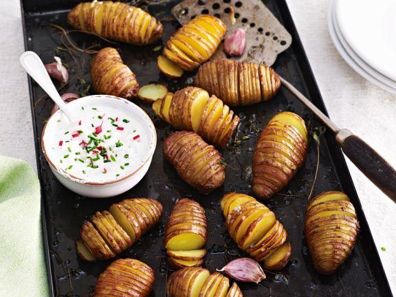 Kartoffelfächer mit Radieschen-Frischkäse