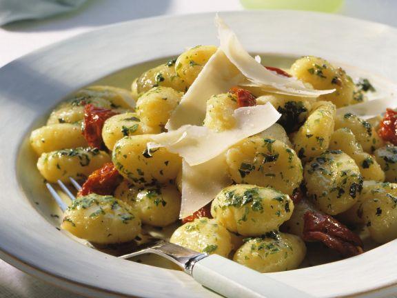 Kartoffelgnocchi mit getrockneten Tomaten
