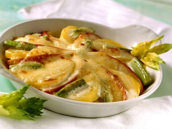 Kartoffelgratin mit Sellerie und Apfel