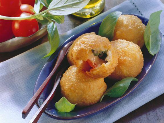 Kartoffelklößchen mit Capresefüllung