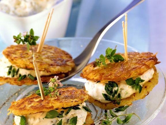 Kartoffelküchlein mit Kräuterquark