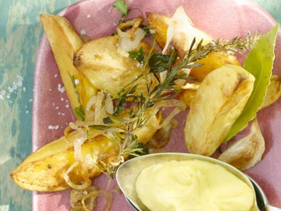 Kartoffeln mit Knoblauchdip
