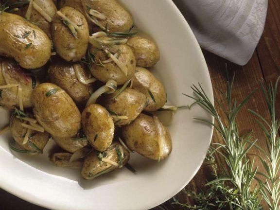 Kartoffeln mit Schalotten und Kräutern