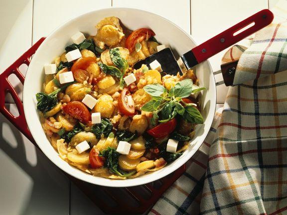 Kartoffelpfanne mit Gemüse und Käse