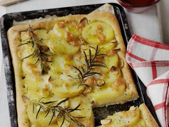 Kartoffelpizza mit Rosmarin (Pizza di patate)