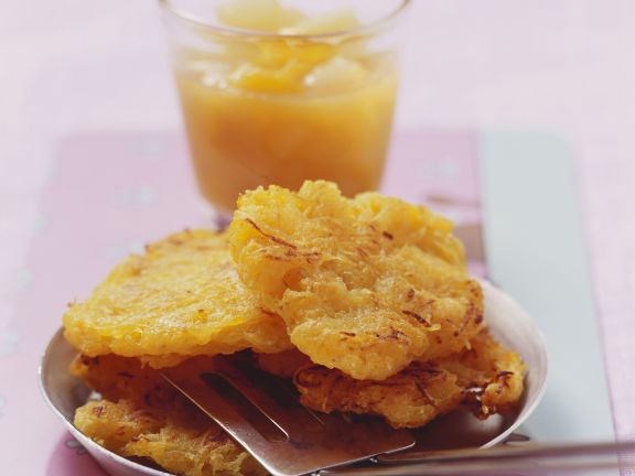 Kartoffelpuffer mit Mango-Birnen-Kompott