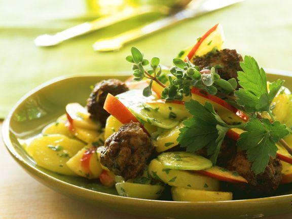 Kartoffelsalat mit Fleischbällchen