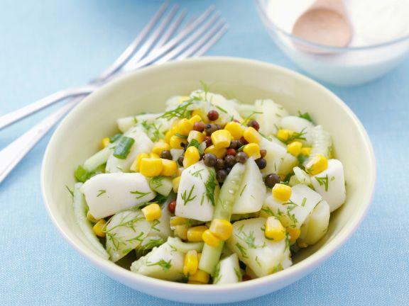 Kartoffelsalat mit Gurke und Mais