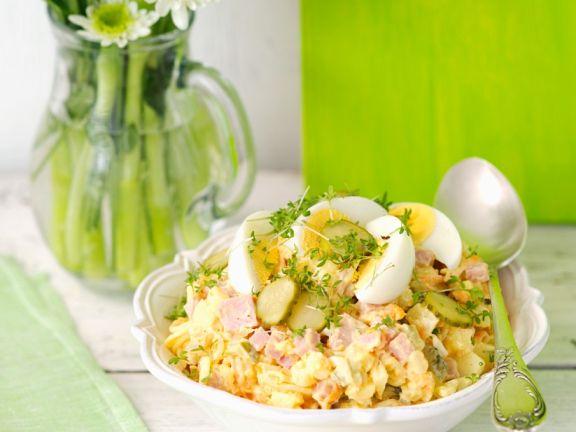 Kartoffelsalat mit Schinken und Ei