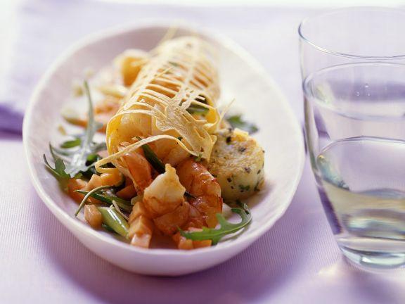 Kartoffeltaler mit Garnelensalat