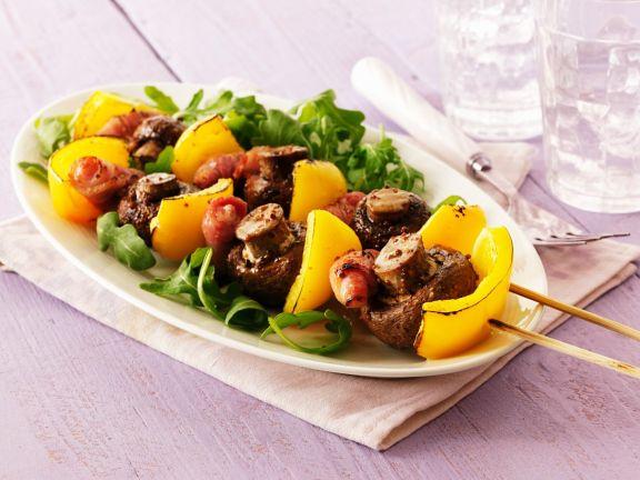Kebabspiess mit Pilzen und Paprika