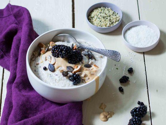 Keto-Porridge mit Brombeeren