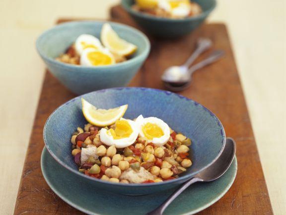 Kichererbsen-Gemüse-Pfanne mit Eiern