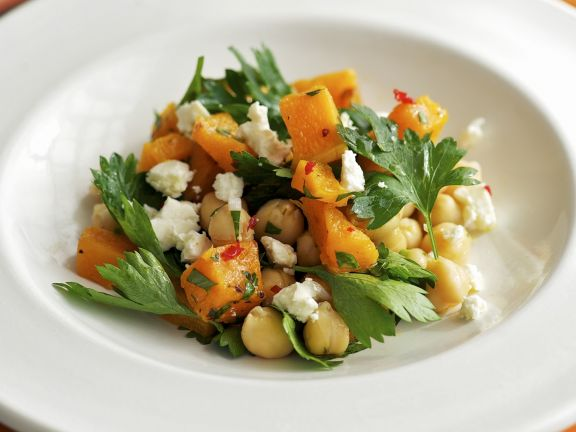 Kichererbsen-Kürbis-Salat mit Feta
