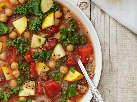 Kichererbsen-Quinoa-Gemüsesuppe