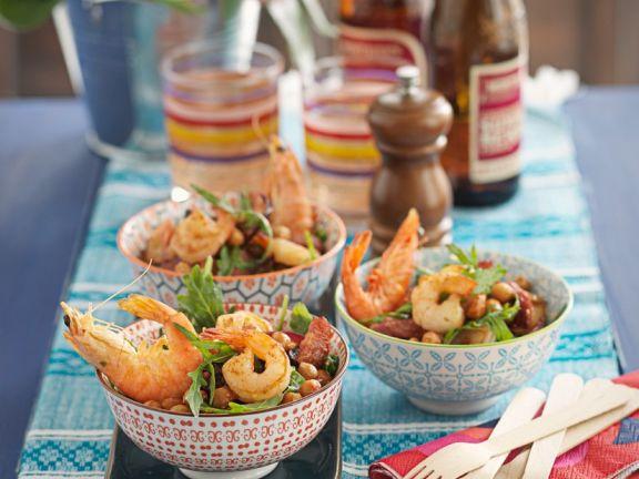 Kichererbsensalat mit Shrimps und Knoblauchwurst