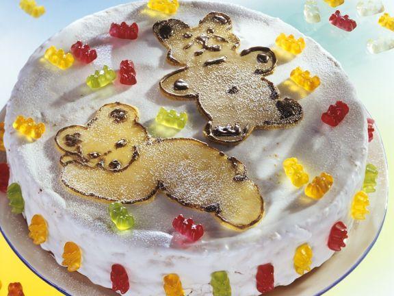 Kindertorte mit Zuckerguss und Bärchen
