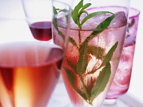 Kirsch-Drinks und Cocktails