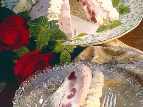 Kirsch-Vanille-Eistorte mit Mohn