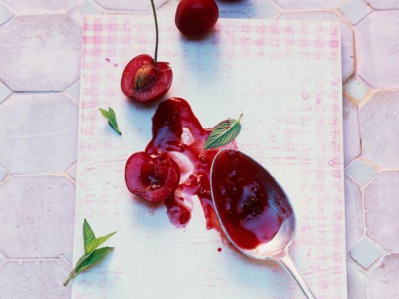 Kirschmarmelade mit Hagebutte