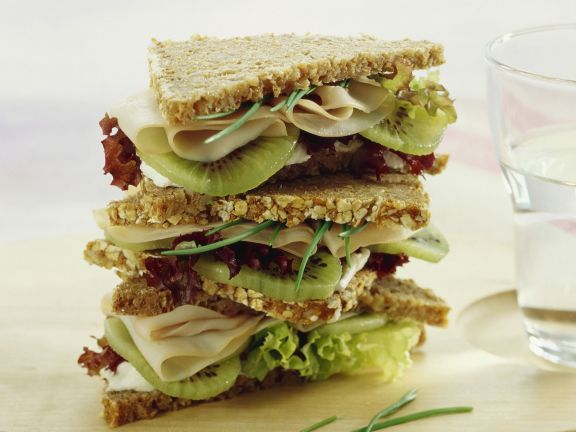 Kiwi-Putenbrust-Sandwich