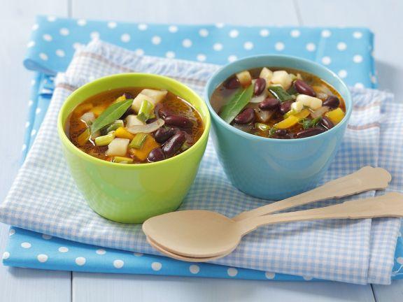 Klare Suppe mit Gemüse