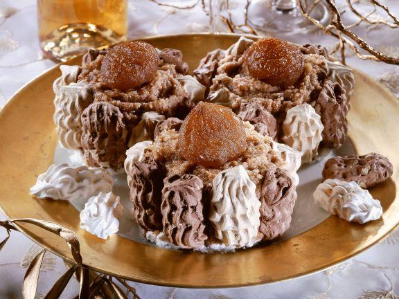 Kleine Baiserkuchen mit Maronicreme
