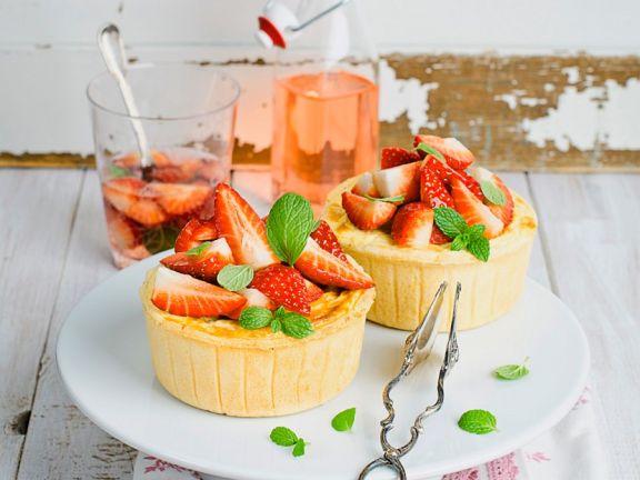 Kleine Erdbeer-Käsekuchen