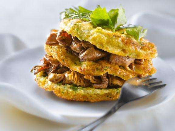 Kleine Omelettes mit Pfifferlingen