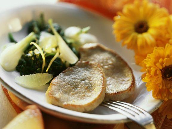Kleine Schnitzel mit Spinat