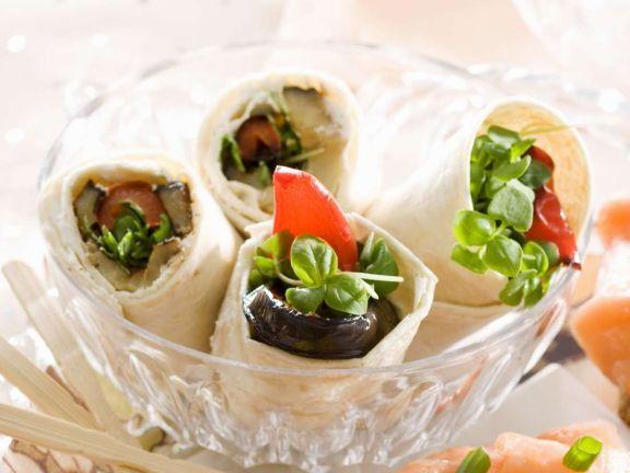 Kleine Wraps mit Paprika und Aubergine