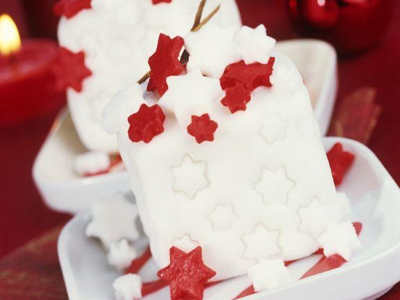 Kleine Zimtkuchen mit Zuckerguss