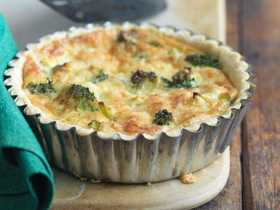 Kleines Quiches mit Broccoli
