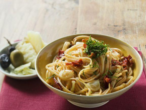 Knoblauch-Spaghetti mit Tomaten
