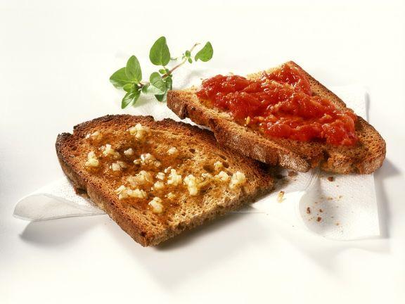 Knoblauch- und Tomaten-Bruschetta