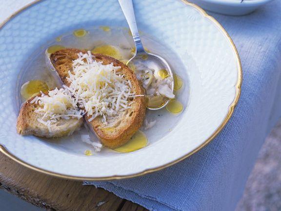 Knoblauchsuppe mit Käsebrot