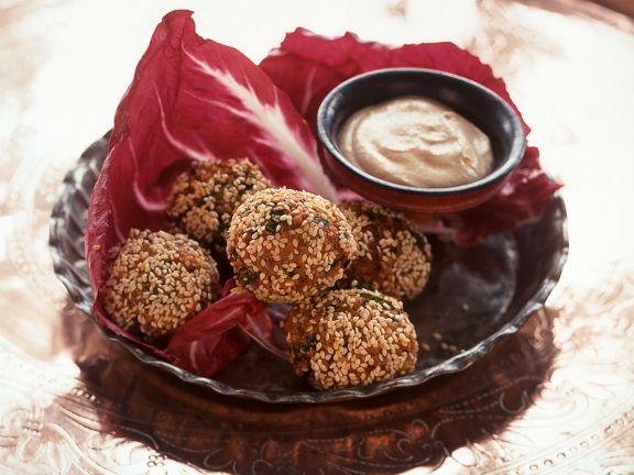 Knusprige Falafel mit Sesamkruste