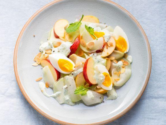 Kohlrabi-Apfel-Rohkost mit Ei