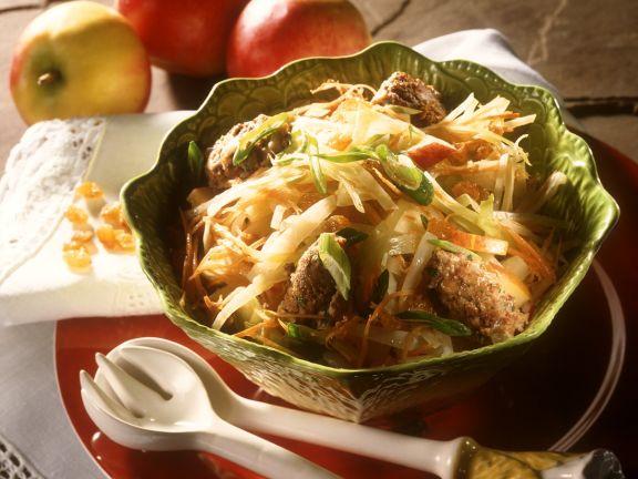 Kohlsalat mit Kalbsleberklößchen